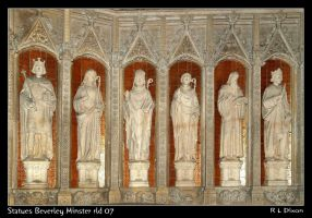 Statues Beverley Minster rld 07 by richardldixon