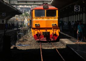 Locamotive at Hua Lamphong by David-Will