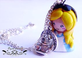 Alice in wonderland necklace by Initta