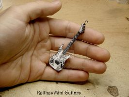 Mini guitar inspired by James Hetfield's guitar by Kelthes