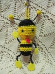 Amigurumi bee by giuggiu