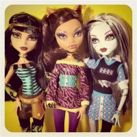 MH New Dolls Schools out by mh-maria