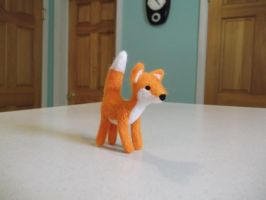 Needle felted fox by imaginaryfriends2012
