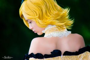 Kagamine Rin Daughter of Evil by xMinas3