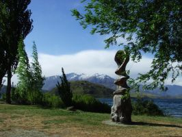 Sculpture at Lake Wanaka in NZ by scart