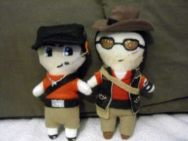 Plushie Scout and Sniper by Pinka-Starlight