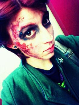 zombie by delusionalwoman