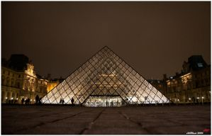 Louvre night time by neoxavier