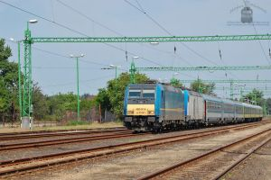 480 014 and 022 with an IC train in Gyor by morpheus880223