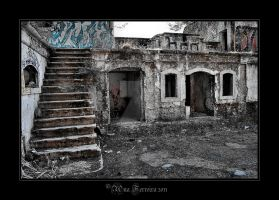Abandoned places by Histeroneurastenia