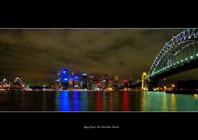 Sydney Harbour by night by tezzan