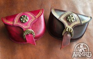 Moulded leather pouches by armrdleather