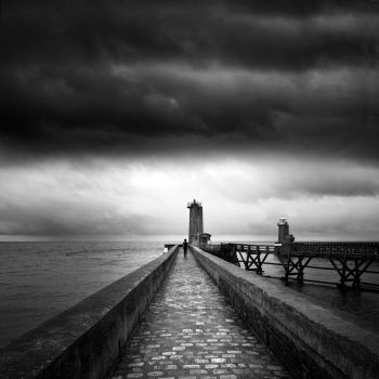 to the lighthousse..... by VaggelisFragiadakis