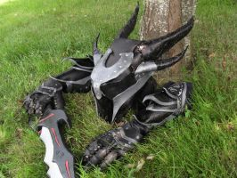 Leather Daedric Helmet / Casque Daedrique by VampsFire