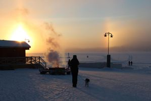 -20 and a Halo Sun by Lea930