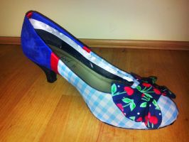 Pin Up Shoe Upcycle by Lolanova