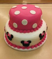 Minnie Mouse pink polka dot cake by ayarel