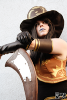 Caitlyn Cosplay: The Sheriff Of Piltover by MomoeHamaguchi