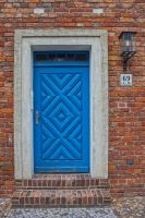 12-07 blue door by evionn
