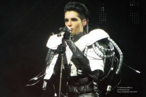 Humanoid tour 2010, Vienna VII by violet-funeralflower