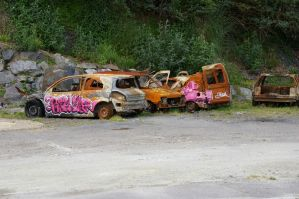 Rusted cars by doulifee