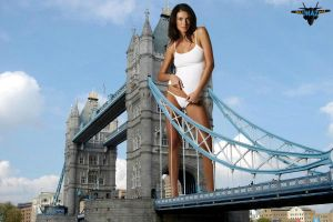 Giantess London Bridge by MAZ-629999
