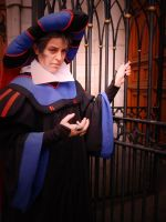 Claude Frollo Cosplay by shinigami714
