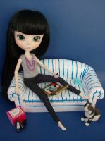 Me time for my Pullip by squish-tish