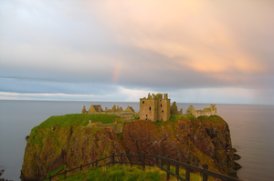 Dunnottar Castle by quigui