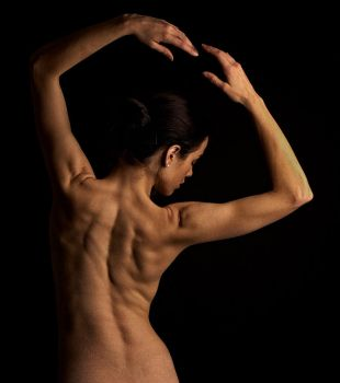 Back of a ballet dancer by ttoommyy