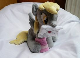 (Sitting) Derpy Hooves Plushie by navkaze