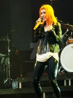 Leeds 2012 - Paramore 2 by deadmizi