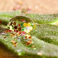 glittery drop. by kathero3