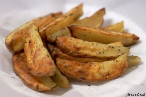 Baked potato wedges by M1n1L1nk