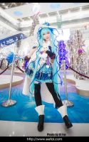 Snow Miku 2014 Hatsune Miku Cosplay by eefai