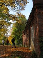 Autumn people by ormr