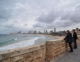 tel aviv shore seen from jaffa by Rikitza