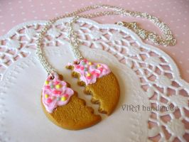 Best friends frosted cookie necklaces by virahandmade