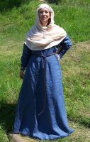 13th century wealthy status dress by Symbelmune