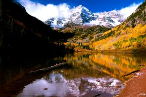 Maroon Bells by pauleskew