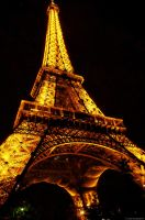 Eiffel Tower by arawyndesigns