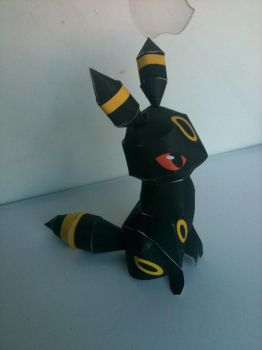 Umbreon papercraft by spacemonkeysunited