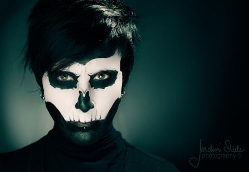 Abbey Show Skull Makeup 2 by Incomplete-cadence