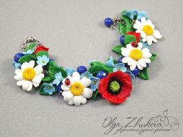 bracelet with wildflowers by polyflowers