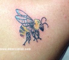 Tiny Bee by dmillustration