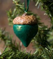 green acorn ornament by amberhlynn