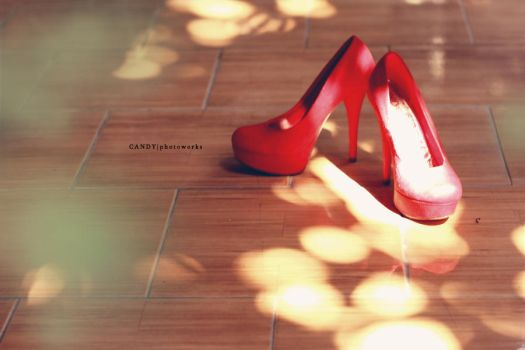 Red Shoes by wociaocandy