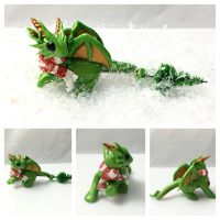 Christmas Tree Dragon by LittleCLUUs