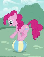 Pinkie Pie on a ball by Snigelkrantz