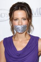 Kate Beckinsale taped by ikell